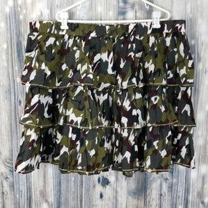 LANE BRYANT 14//16 GREEN CAMO TIERED RUFFLE SKIRT black gray white gold trim